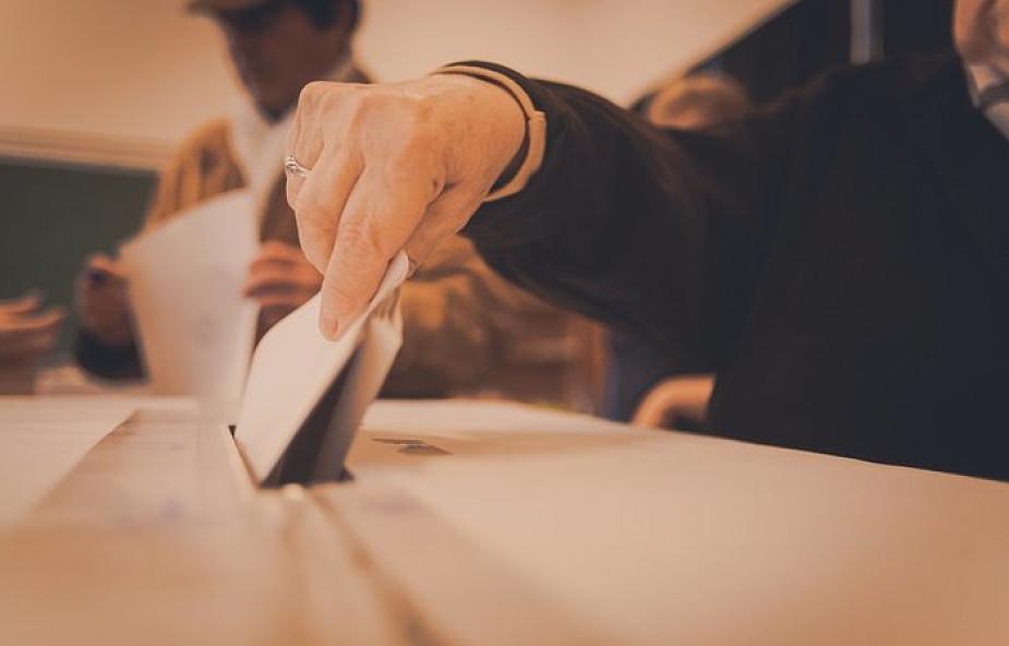 Najważniejsze pismo jezuickie wzywa do odpowiedzialnego udziału w wyborach