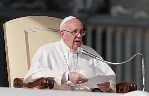 Papież do urzędników: ważne, by przy okienku spotykać osoby, które nie robią fochów