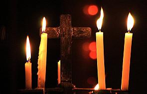 Święty Krzyż: nocna Droga Krzyżowa w intencji trzeźwości