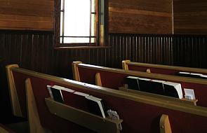 Znalazłeś tę modlitwę w swoim kościele? Uważaj, ten kapłan ostrzega