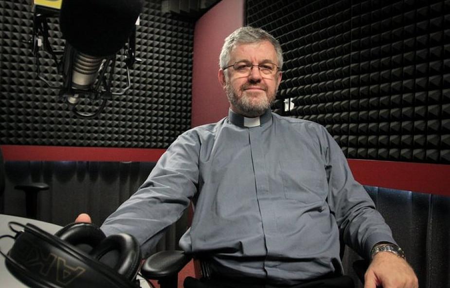 Nowy biskup mieszka w slumsach. Jezuita komentuje rewolucyjną decyzję papieża Franciszka