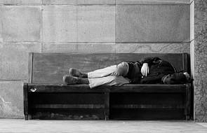 Mieszkańcy Warszawy modlili się w intencji zmarłych bezdomnych