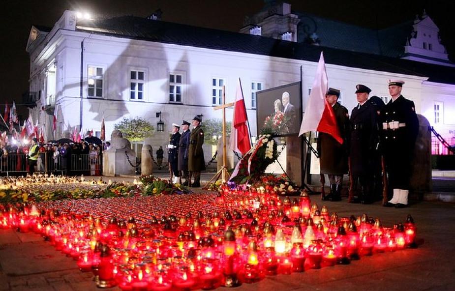 Rodziny ofiar katastrofy smoleńskiej apeluje o nieupolitycznianie budowy pomników