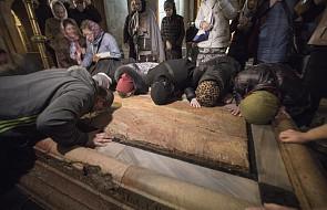 """Izrael: Bazylika Grobu Pańskiego ponownie otwarta. """"Dziękujemy Bogu za ten komunikat"""""""