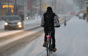 Podkarpackie: po opadach śniegu ponad 3 tysiące gospodarstw bez prądu