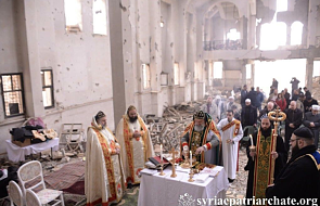 """""""Ta modlitwa jest dla mnie nowym życiem"""". Pierwsza od lat Eucharystia w zniszczonym kościele"""