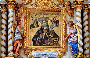 Niezwykły obraz Maryi poddano renowacji. Jego wyjątkowość wynika z tego, co Matka Boża trzyma w ręce