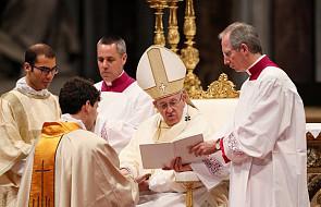 Papież wyznaczył nowy styl odnoszenia się do księży