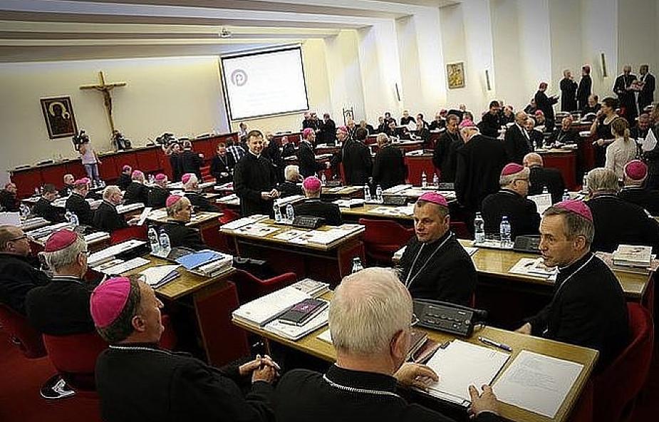 Abp Tadeusz Wojda: chcemy okazać wsparcie papieżowi Franciszkowi