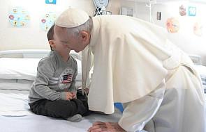 Papież: robimy to samo co Spartanie. Rzucamy ze skał dzieci z wadami. Tylko okrutniej