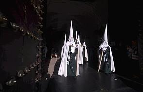 Hiszpania: dziesiątki tysięcy procesji pokutnych