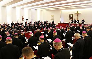 Biskupi w liście do kapłanów: pomagajcie innym w napełnianiu się Bożym Duchem