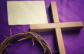 Jak dobrze adorować krzyż w Wielki Piątek?
