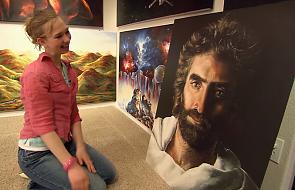 Poznajcie dziewczynę, która maluje niebiańskie wizje. Twierdzi, że swój talent otrzymała od Boga