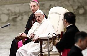 """Papież Franciszek w dosadnych słowach wyjaśnia kwestię """"płacenia"""" za Mszę Świętą"""