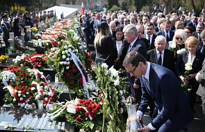 Premier: życie ofiar katastrofy smoleńskiej - przykładem patriotyzmu oraz służby człowiekowi