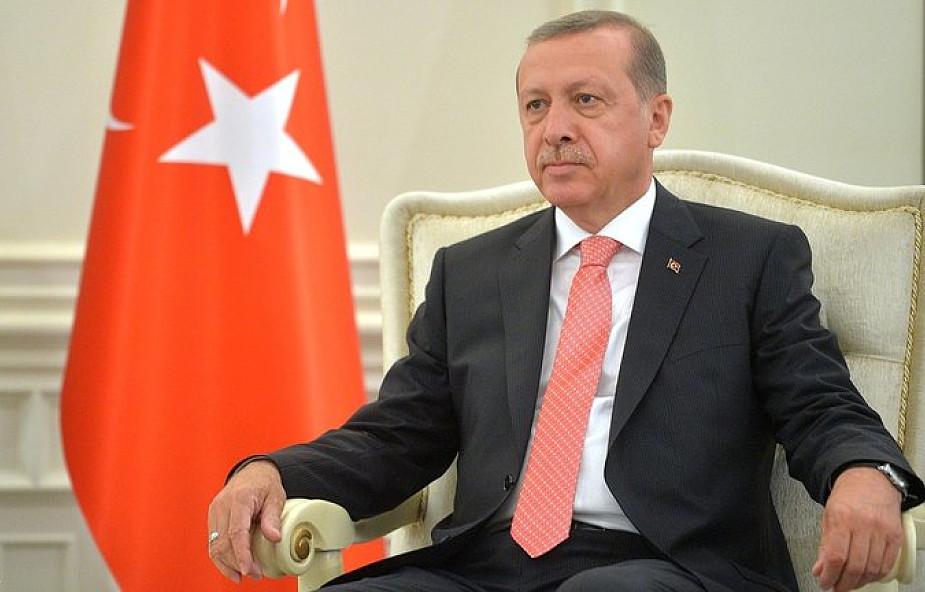"""Turcja: Erdogan uważa za """"bardzo błędne"""" stanowisko Ławrowa ws. Afrinu"""