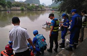 Dwie smocze łodzie wywróciły się podczas treningu; zginęło 17 osób