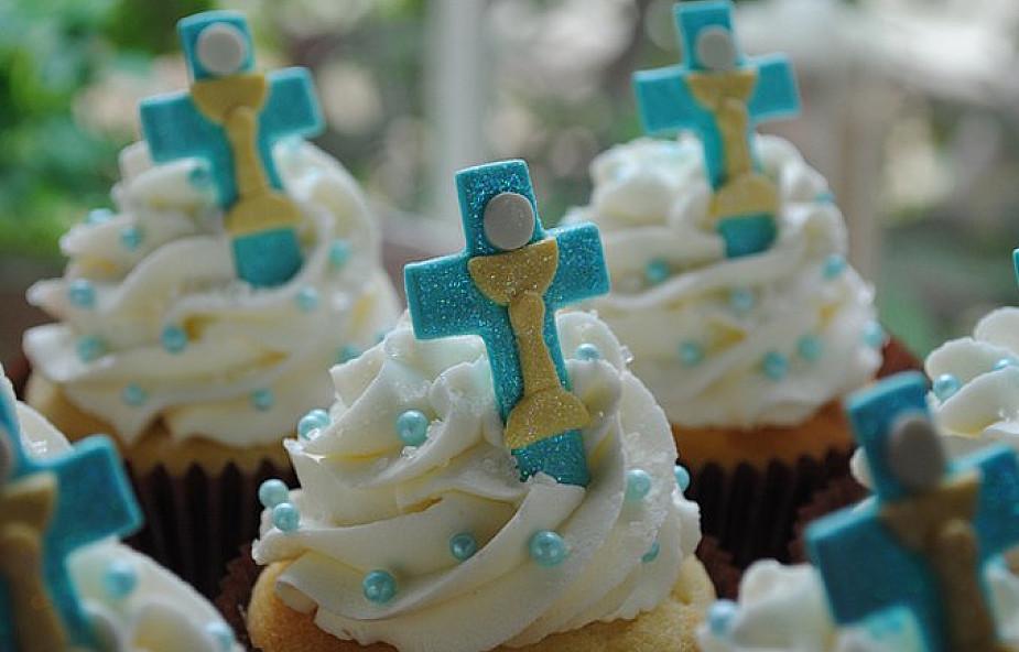 Pierwsza Komunia - splendor celebracji i pozór bycia w Kościele