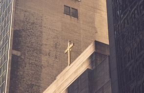 W tym kraju do wszystkich budynków administracji publicznej powrócą krzyże