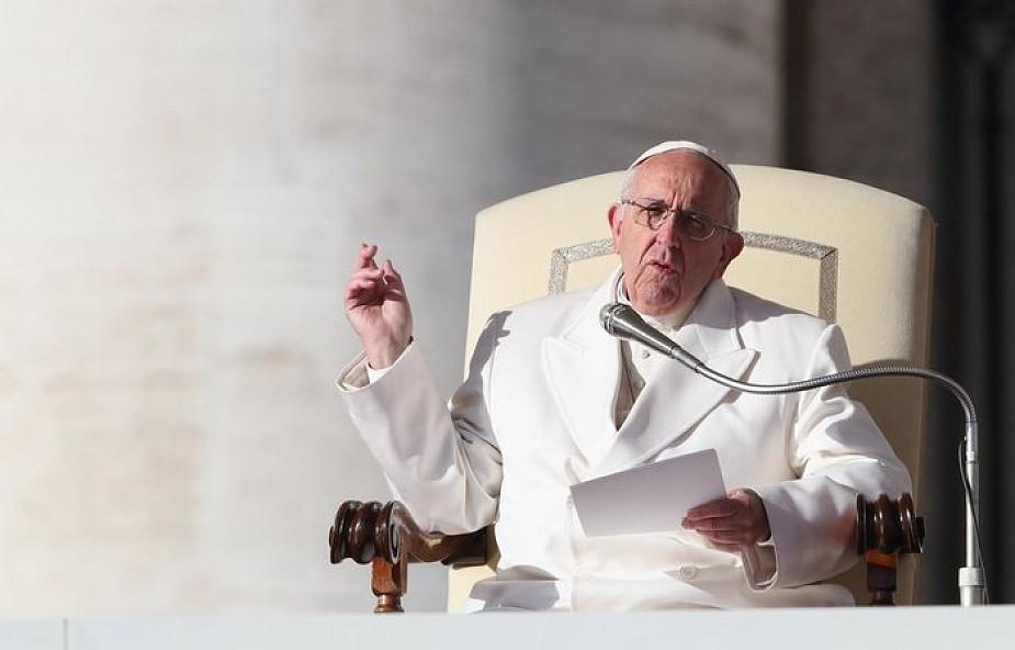 Papież o pokusie, która czai się w internecie: towarzyszy nam przez całe życie
