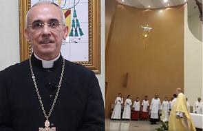 """Biskup odniósł się do kontrowersyjnej procesji z """"latającą hostią"""""""