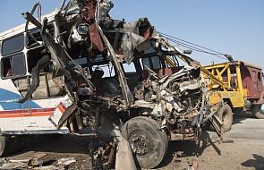 Indie: co najmniej 30 osób zginęło w wypadku szkolnego autobusu