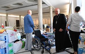 Kard. Nycz spotkał się w Sejmie z protestującymi rodzinami osób niepełnosprawnych