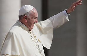 Papież: chrzest wymaga wyrzeczenia się szatana. I przyniesie trudne doświadczenia