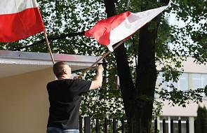 Od 2 maja do końca roku flagi państwowe zawisną na budynkach administracji