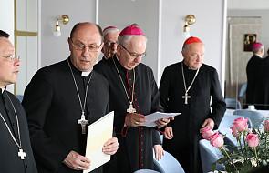 Arcybiskup zabrał głos ws. protestujących w sejmie. Mówi o roli Kościoła