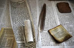 W Krośnie można obejrzeć wystawę poświęconą historii Biblii