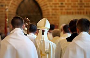 Trzy dymisje biskupów po skandalu nadużyć seksualnych w Chile