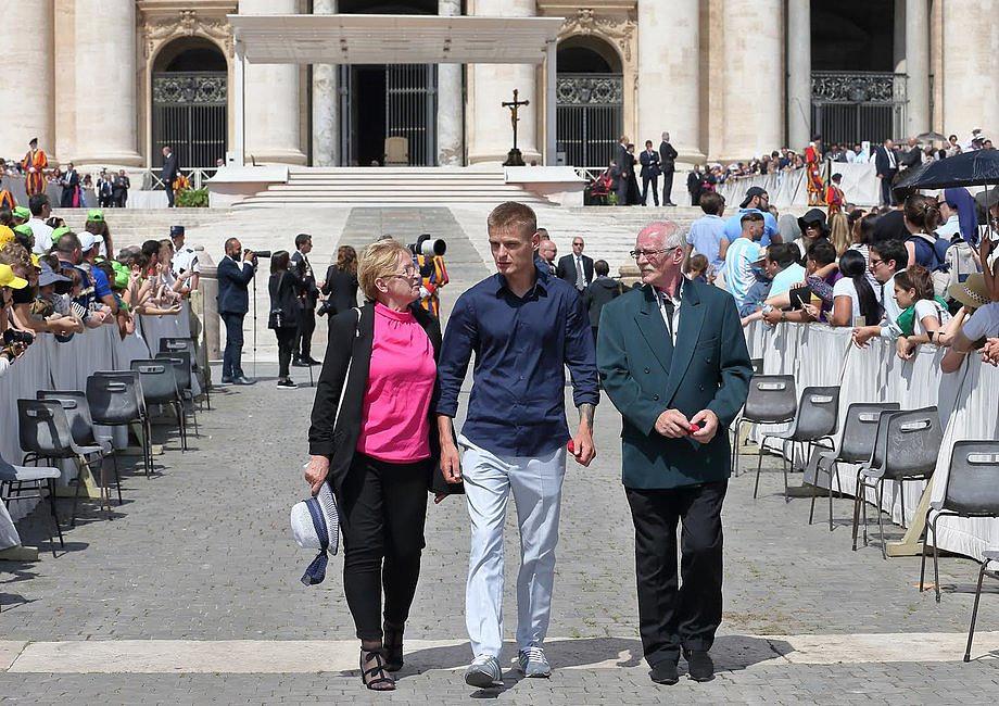 Tak wyglądało spotkanie Tomasza Komendy z papieżem Franciszkiem [GALERIA] - zdjęcie w treści artykułu nr 3