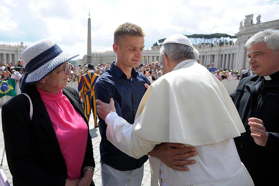 Tak wyglądało spotkanie Tomasza Komendy z papieżem Franciszkiem [GALERIA] - zdjęcie w treści artykułu nr 8