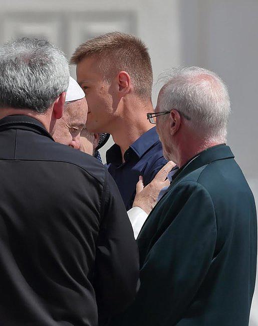 Tak wyglądało spotkanie Tomasza Komendy z papieżem Franciszkiem [GALERIA] - zdjęcie w treści artykułu