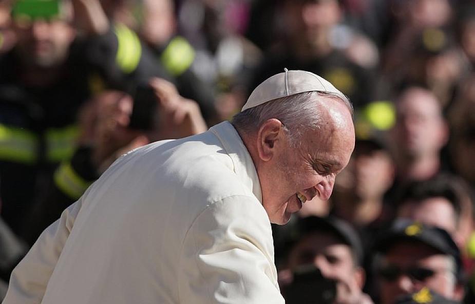 Franciszek: poczujmy się dłużnikami ubogich [Papieskie Orędzie na II Światowy Dzień Ubogich]