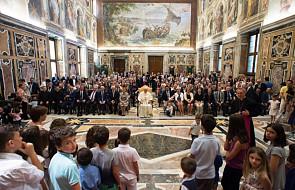 Franciszek: potrzeba katechumenatu przygotowującego do małżeństwa