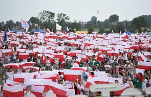 Na Polach Lednickich trwa Spotkanie Młodych Lednica 2000. Organizatorzy: przybyło 85 000 pielgrzymów
