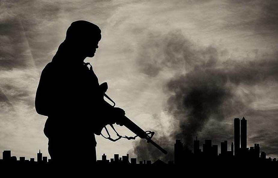 Egipt: ponad 30 dżihadystów zginęło w operacji armii na Synaju