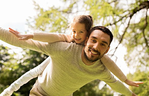 GUS: średni wiek ojca, gdy rodzi mu się dziecko to 33 lata