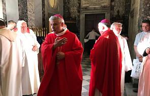 Abp Krajewski sprawował Mszę św. u grobu Jana Pawła II. O 16 zostanie włączony do Kolegium Kardynalskiego