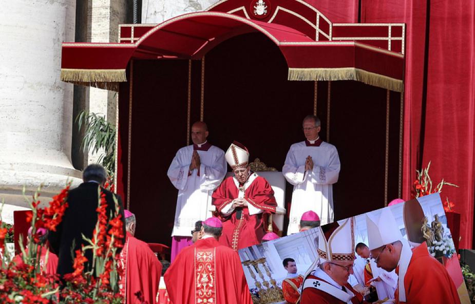 Abp Ryś mówi co czuł, kiedy dostawał paliusz od papieża Franciszka [WIDEO]