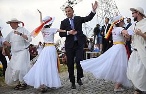 Prezydent Andrzej Duda zatańczył z młodymi na Lednicy [WIDEO]