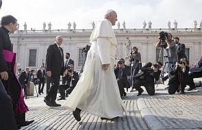 """Papież apeluje o naszą """"internetową"""" modlitwę"""