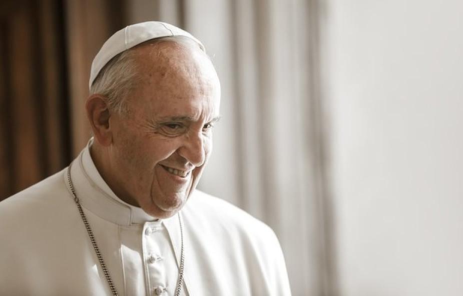 Franciszek: bierzmowanie przyjmujemy, by współpracować w duchowym rozwoju innych