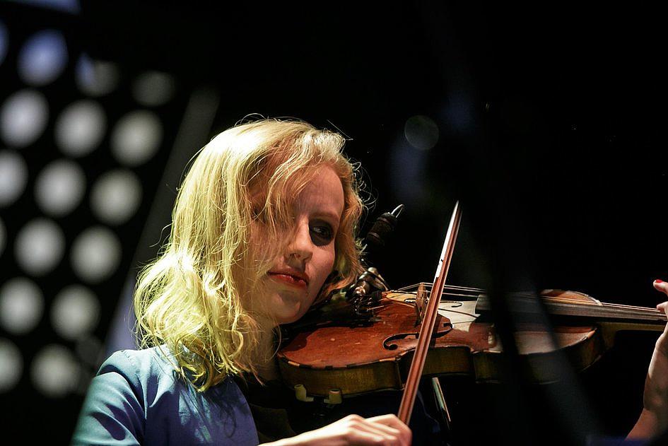 Koncert, którego nie możesz przegapić. Transmisja LIVE dziś o 19:00 na DEON.pl - zdjęcie w treści artykułu nr 1