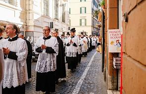 Watykan zachęca kapłanów do wstąpienia na górę, przemiany i bycia światłem