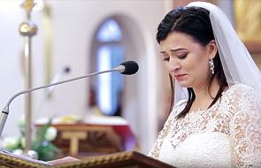 Panna Młoda zaśpiewała w czasie ślubu pieśń religijną. Dawno nie słyszeliście czegoś tak pięknego