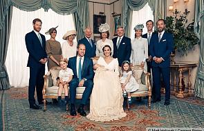 W sieci pojawiły się zdjęcia z chrztu syna Kate i Williama. Złamali jedną tradycję